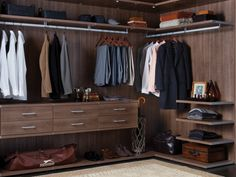 Walk In Closet, Virtuoso System in Roman Walnut