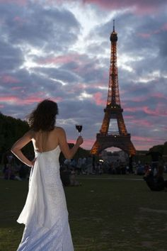 The never ending honeymoon all over the world: Couple relive their wedding in 17 countries and over miles for incredible bridal dress photo project Bride Gowns, Bridal Dresses, Wedding Gowns, Wedding Gifts For Groom, Wedding Couples, Country Wear, Travel Dress, Travel Couple, First World