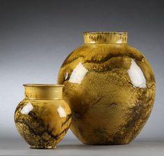 Herman A. Kähler. Vaser med uranglasur (2) | Lauritz.com