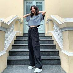 Korean Fashion Styles, Korean Outfit Street Styles, Korean Girl Fashion, Korean Street Fashion, Korean Outfits, Ulzzang Fashion Summer, Korea Fashion, Korean Style, Kpop Fashion Outfits