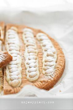 Mazurek Joghurt mit Schokolade und weißer Mandeln