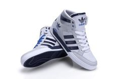 Der neue adidas Hardcourt Hi im weiß - navyblauen Colorway
