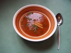 Dora tomatensoep 2 klein Thai Red Curry, Soup Recipes, Soups, Ethnic Recipes, Food, Essen, Soup, Meals, Yemek
