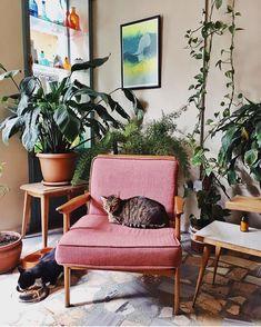 "20.1k Likes, 170 Comments - Urban Jungle Bloggers™ (@urbanjungleblog) on Instagram: ""TGIF! We have mayor studio envy every time we see Rena's amazing space! :@studiohearhear…"""