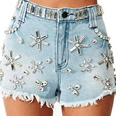 Strut your stuff in high-waisted shorts, denim cutoffs, lace shorts, hot pants & more! Shop womens shorts at Nasty Gal, for casual days or crazy nights out. Latest Street Fashion, Latest Fashion For Women, Fashion News, Fashion Outfits, Diy Fashion, Womens Fashion, High Waisted Shorts, Casual Shorts, Denim Shorts