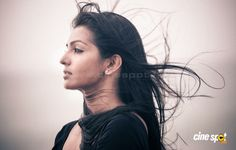 Parvathi Menon south actress photos