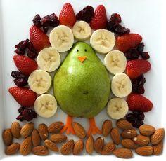 Alegra las mañanas de tus hijos con esta hermosa y nutritiva idea. Querrán comer fruta todo el tiempo.