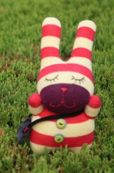 Google Image Result for http://kids.comfort-works.com/product_images/uploaded_images/custom-sock-toy-jellybean-naomi.png