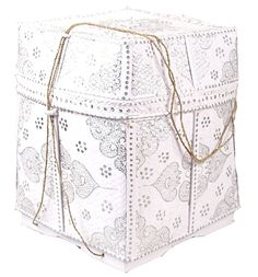 just picked this cute straw box up in white with gold pattern for my eventual moroccan themed bathroom
