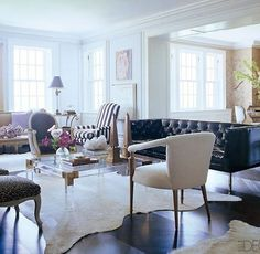 Amazing lucite coffee table--image via Elle Decor #modern #zincdoor #lucite by dawn
