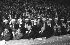 Necmettin Erbakan'ın az bilinen fotoğrafları Bosnia, Real Man, Old Photos, Islam, Wrestling, Concert, Old Pictures, Lucha Libre, Vintage Photos