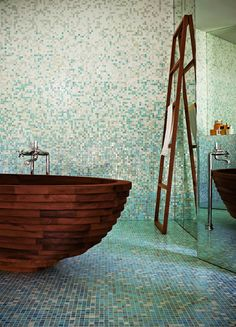 35 Super Epic Wooden Bathtub Design Ideas to Consider Wood Tub, Wood Bathtub, Wooden Bathroom, Tiled Bathrooms, Wood Sink, Bathroom Bath, Washroom, Home Spa, Mosaic Glass