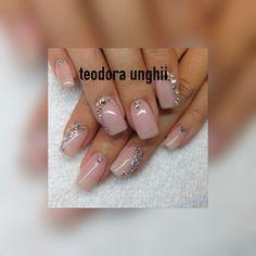 Unghii de unghii teodora | UnghiiPerfecte
