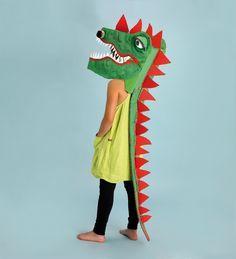 Disfraz de dragón de cartón Dragon cardboard costume