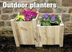 Cedar Planter Plans - Outdoor Plans and Projects   WoodArchivist.com