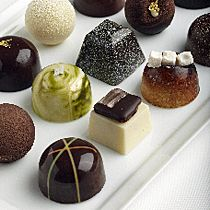Patry chef Wendy Sherwood makes all the chocolates by hand for this Napa shop. She offers both the classics and the revolutionary. Chocolate Work, Chocolate Brands, Artisan Chocolate, Chocolate Shop, Chocolate Gifts, Chocolate Desserts, Köstliche Desserts, Delicious Desserts, Chocolate Art