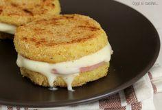 Hamburger di patate con prosciutto cotto e formaggio