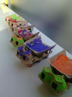 Use the lid of an egg carton and this free printable template to make a fire tru.Use the lid of an egg carton and this free printable template to make a fire truck. Creative Activities, Activities For Kids, Egg Box Craft, Projects For Kids, Crafts For Kids, Transportation Theme Preschool, Egg Carton Crafts, Montessori Activities, Recycled Crafts