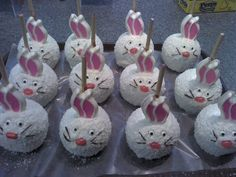 Bunny Caramel Apples - Perfect for Easter #rockymountainchocolatefactory