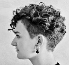 Nicely done #Naturalcurls #Short #Sidecut #Longontop