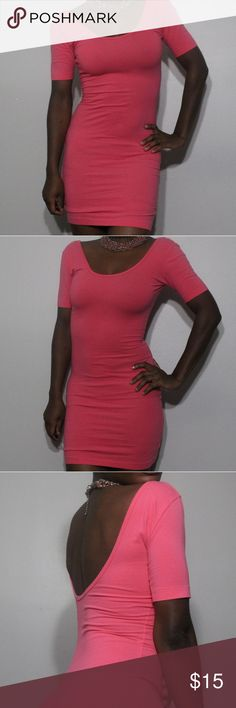 👡Cute American Apparel Casual Cocktail Dress👡 Tight fit pink dress. Perfect condition. No tags with size on it, guessed size based on my dress size. I am a size 4 and a small in dresses but this dress was super tight on me. I believe it is an XS or a small based on how tight you want it to be. XS true size, small if you want it to be super tight. American Apparel Dresses