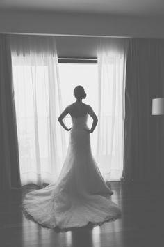Mi vestido de novia: el modelo Diciembre de la colección 2014 de Pronovias. El vestido más bonito del mundo.   Foto copyright 1izq http://www.primeroizq.com/