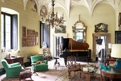 Villa Albergoni-- a 17th century villa in the Italian countryside, was the setting of Luca Guadagnino's most recent film, Call Me By Your Name. More details on Le Blog | JMF