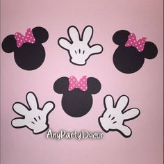 Minnie Mouse Faces and Mickey Mouse Clubhouse Handy Helper Hands For Birthday Party or Baby Shower cutout peices) Minnie Mouse Party Decorations, Minnie Mouse Theme Party, Minnie Mouse Baby Shower, Minnie Mouse Pink, Mickey Party, Baby Mouse, Mickey Mouse Clubhouse, Mickey Mouse Birthday, Minnie Mouse Template