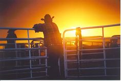 I want to live somewhere where I can stand next to my husband and look over our farm as the sun goes down <3