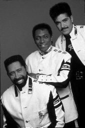 Hey, be in the know - the Commodores perform tonight as part of ...