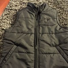 Lucky Brand Puff Vest Lucky Brand Puff Vest worn once. Excellent condition. Lucky Brand Jackets & Coats Vests