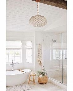 Beautiful bathroom decor tips. Modern Farmhouse, Rustic Modern, Classic, light and airy master bathroom design ideas. Bathroom makeover suggestions and master bathroom renovation tips. Bathroom Layout, Bathroom Interior Design, Bathroom Sets, White Bathroom, Home Interior, Master Bathrooms, Bathroom Cabinets, Luxury Bathrooms, Bathroom Mirrors