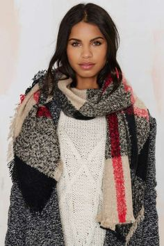 I know she's modeling the scarf, but I can't stop staring at her pretty face
