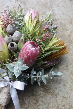 Flower bouquet wedding - Growing and arranging beautiful Australian Native Flowers and all things Proteaceae Australian Wildflowers, Australian Native Flowers, Protea Wedding, Flower Bouquet Wedding, Bush Wedding, Protea Bouquet, Floral Bouquets, Australian Native Garden, Autumn Wedding