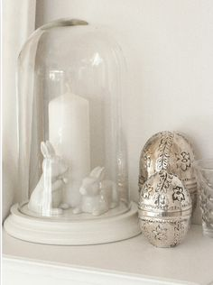 Dig inspiration: decorate wood eggs with Elmer's glue then paint.