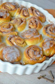 vegan cinnamon rolls - foodaffair.at Vegan Cinnamon Rolls, Pretzel Bites, Favorite Recipes, Bread, Blog, Kuchen, Brot, Blogging, Baking