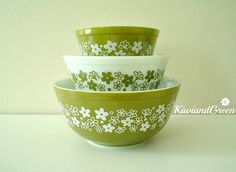 Pyrex Spring Blossom Green Mixing Bowl Set by KiwiandGreen on Etsy, $25.00