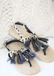 Tassels and Leopard Print! Moccasins, Tassels, Label, Design, Fashion, Penny Loafers, Moda, Loafers, Fashion Styles