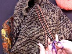 Steeking - kunsten å klippe i strikketøyet - av Tusen Ideer Delena, Knit Crochet, Projects To Try, Knitting, Crafts, Tutorials, Craft Ideas, Tips, Fashion