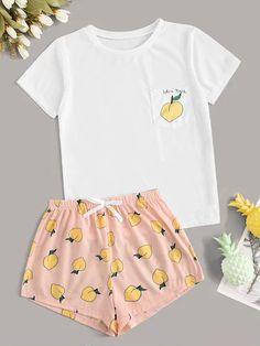 Shein Peach & Letter Print Pajama Set - Pajama Sets - Ideas of Pajama Sets Cute Pajama Sets, Cute Pajamas, Girls Pajamas, Teen Pjs, Pyjama Sets, Summer Pajamas, Pj Sets, Girls Fashion Clothes, Teen Fashion Outfits