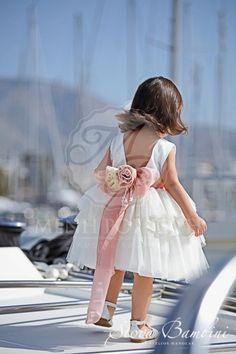 Βαπτιστικά ρούχα για κορίτσι της Stova Bambini ιβουάρ φόρεμα με ανοικτή  πλάτη b9ef87f215e