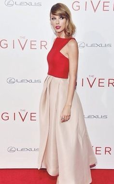taylor at the giver premiere.