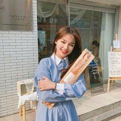 🥖 바게트 사고 씐났댜 ,, 🥖 Ulzzang Fashion, Korean Fashion, Korean Best Friends, Pretty Korean Girls, Girl Korea, Portrait Photography Poses, Korean Ulzzang, Uzzlang Girl, Asian Cute