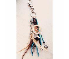 Dreamcatcher sleutelhanger - tassenhanger Blue Contacts, Bag Clips, Dreamcatcher Keychain, Tassel Necklace, Dream Catcher, Bag Accessories, Charms, Feather, Zipper Pulls