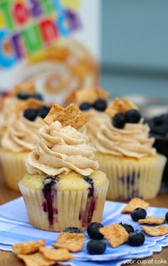 Blueberry Cinnamon Toast Crunch Cupcakes