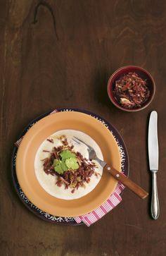 Creme de mandioca | Receita Panelinha: Receita supertradicional da mesa brasileira, o creme de mandioca é também conhecido como mingau pitinga no Nordeste do país. Ele é a definição de comida conforto.