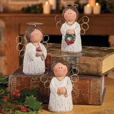i like the wings Paper Mache Clay, Paper Mache Sculpture, Paper Mache Crafts, Paper Clay, Clay Art, Clay Ornaments, Felt Christmas Ornaments, Christmas Wood, Christmas Angels