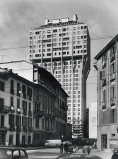 Torre Velasca, 1950-1958 (piazza Velasca 5, Milano), con ing. Arturo Danusso