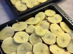 Sütőben sült hagymás krumpli sok sajttal: krémes és pikáns recept lépés 5 foto Griddle Pan, Cheese, Recipes, Food, Grill Pan, Recipies, Essen, Meals, Ripped Recipes