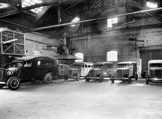 The history of the first Ford plant in Brazil. Ford Motor Company, Parque Industrial, Mechanic Garage, Repair Shop, My Town, Motor Car, Jaguar, Vintage Photos, Brazil